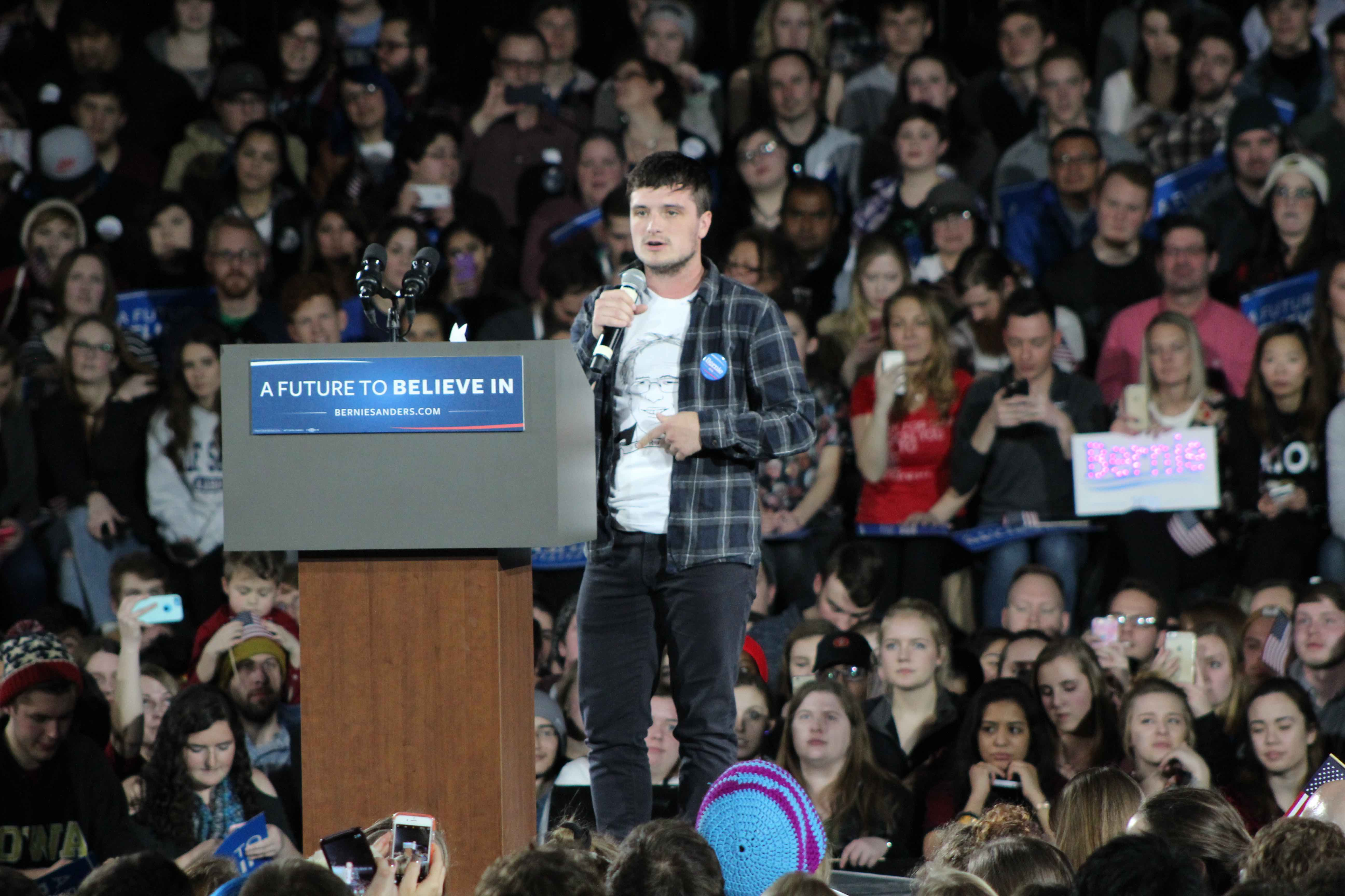 Actor Josh Hutcherson Best Know For His Role In The Hunger Games Appeared At Jan 30 Rally To Show Support Bernie Sanders