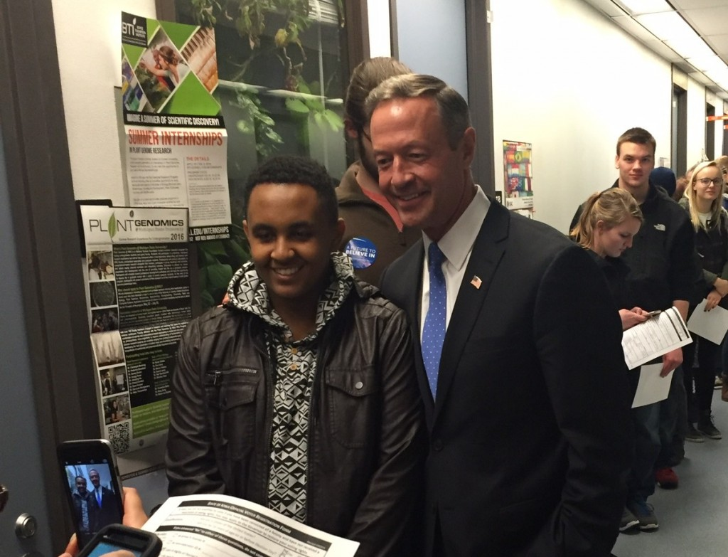 Martin O'Malley showed up shortly before the caucus at precinct 40 began, urging caucus-goers to make him viable, as well as taking selfies and talking to the attendees.